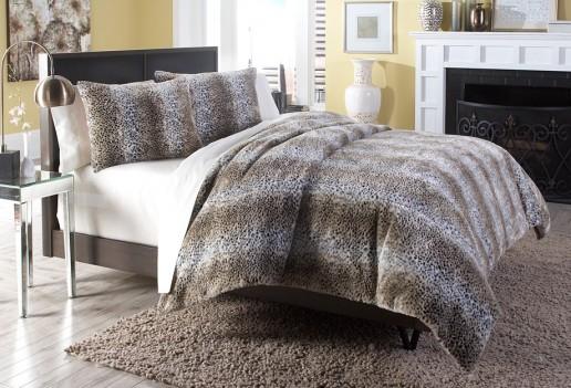 Michael Amini Kasbah Comforter Bedding Set by Aico