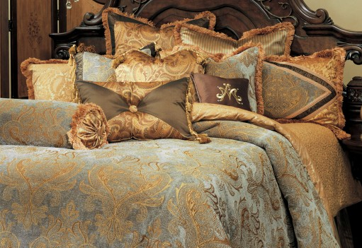 Michael Amini Elizabeth Comforter Bedding Set by Aico