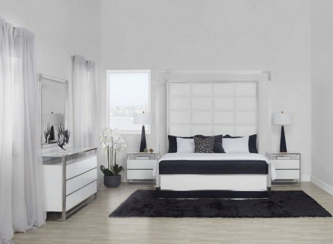 Canopy Bed Glossy White...